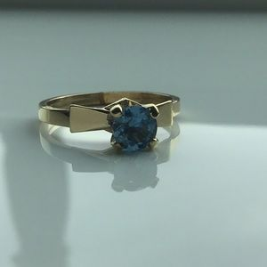 💙NEW! Solid Gold and Topaz Ring💙